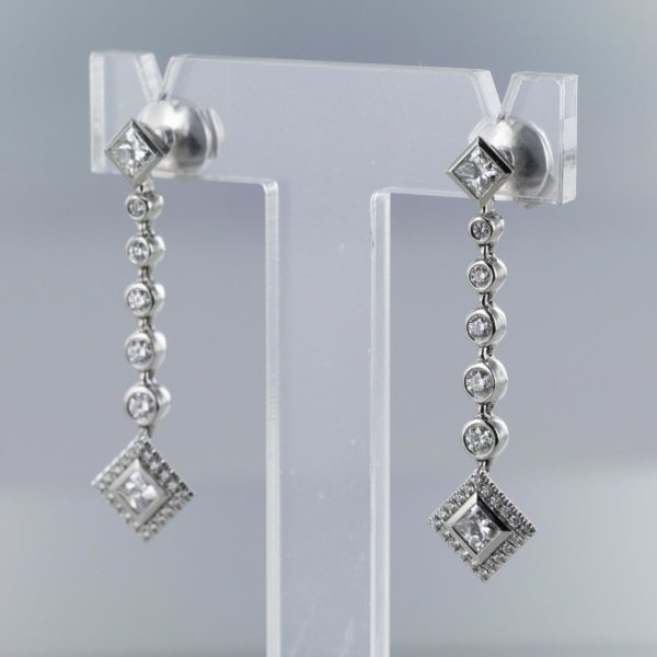 Boucles d'oreilles pendantes diamants TIFFANY