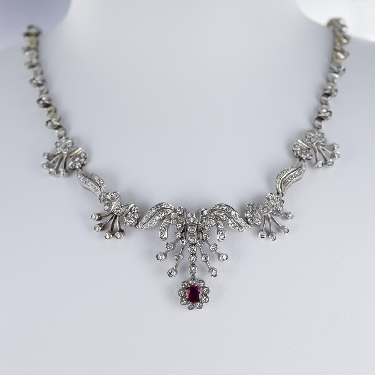 Collier draperie rubis et diamants
