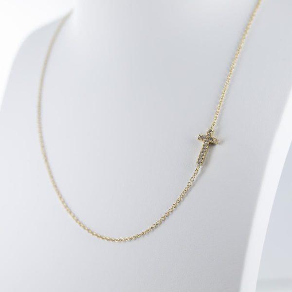 Tour de cou croix en diamants