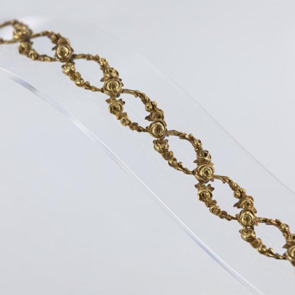 Bracelet ancien roses sculptées