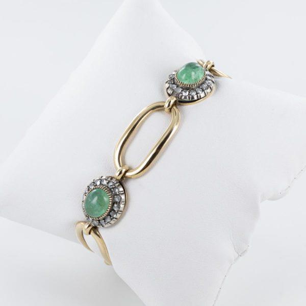 Bracelet émeraudes cabochons entourage roses de diamants